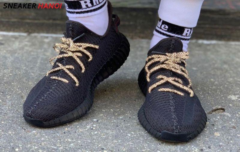 Yeezy 350 V2 Black